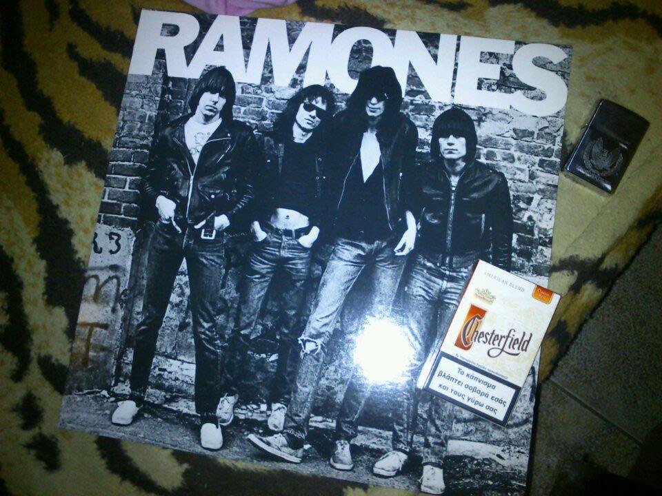 RAMONES-LP