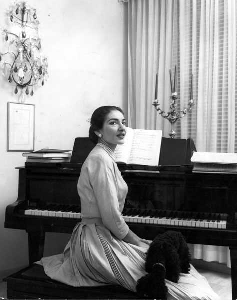 482710_Maria-Callas--Piano-at-Home