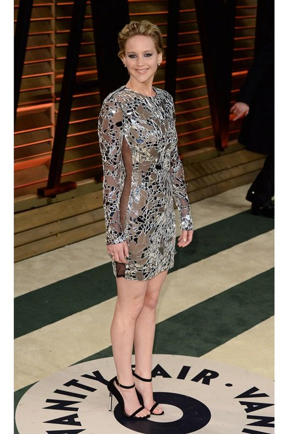 Jennifer-Lawrence-Vogue-3March14-Rex_b_592x888
