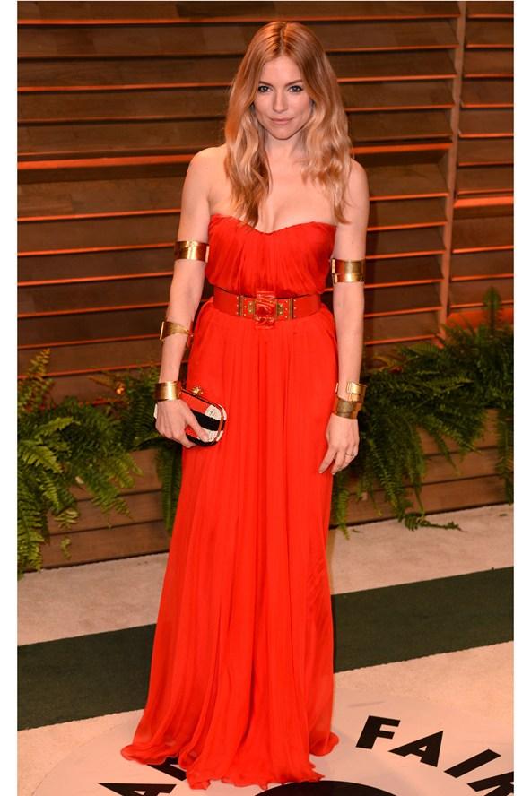 Sienna-Miller-Vogue-3March14-Rex_b_592x888