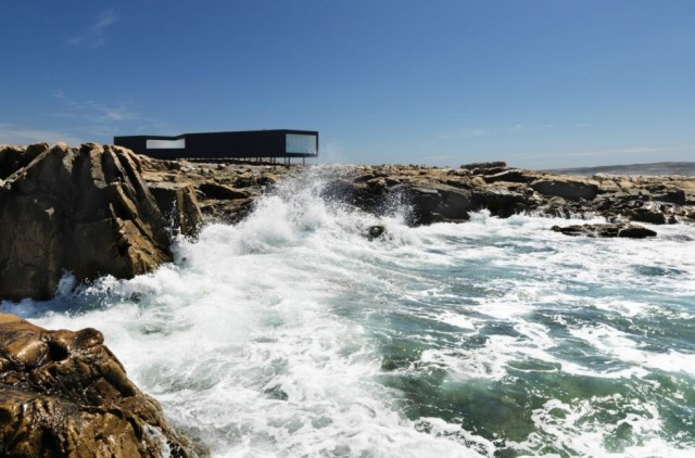 House-Fogo-Island-Studios-Design-by-Saunders-Architecture-Modern-Architecture-Design-Ideas-640x422