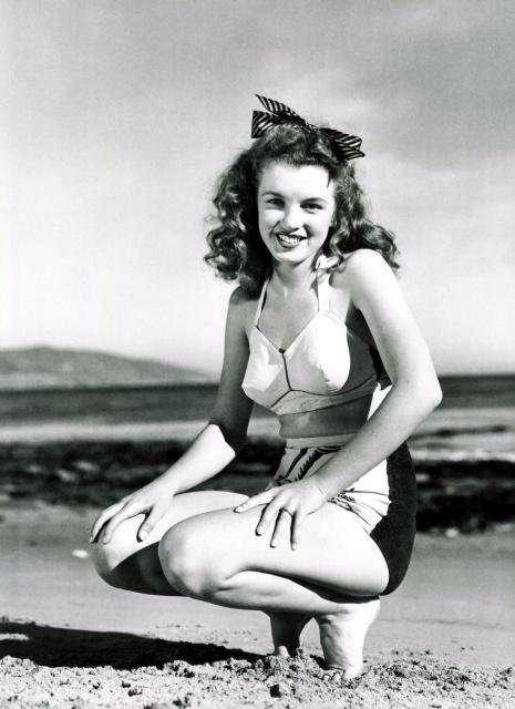 marilyn_monroe_andre_de_dienes_beach_shoot_1945_6yIURv7.sized