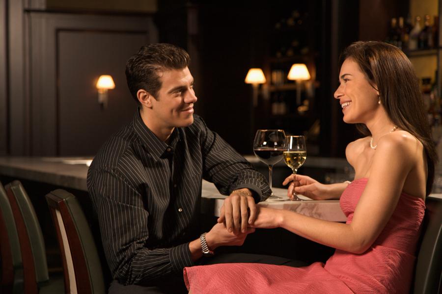 Πώς το διαδικτυακό ραντεβού επηρεάζει την κοινωνία