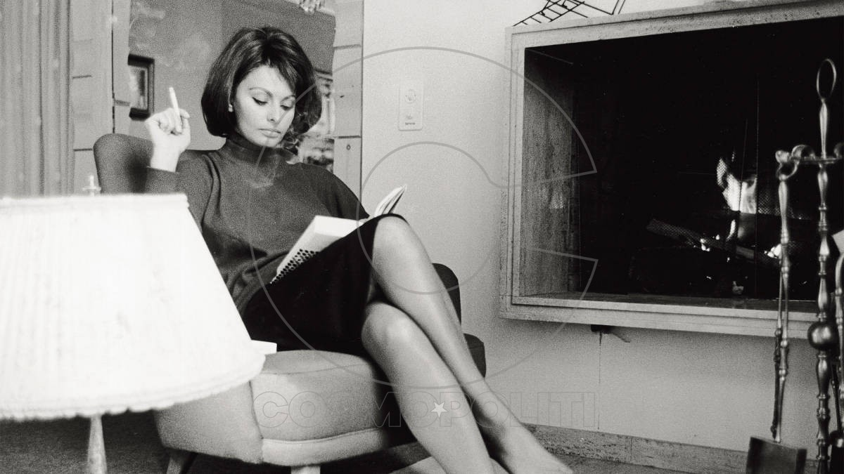 54bc802830cb5_-_hbz-reading-sophia-loren-lead-xl