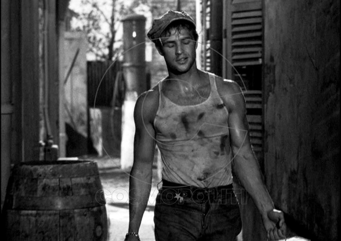 Marlon-Brando-Picture-A-Streetcar-Named-Desire-Dirty-Tank-e1426725443278