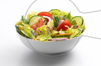 Σαλάτα, το δροσερότερο γεύμα του καλοκαιριού