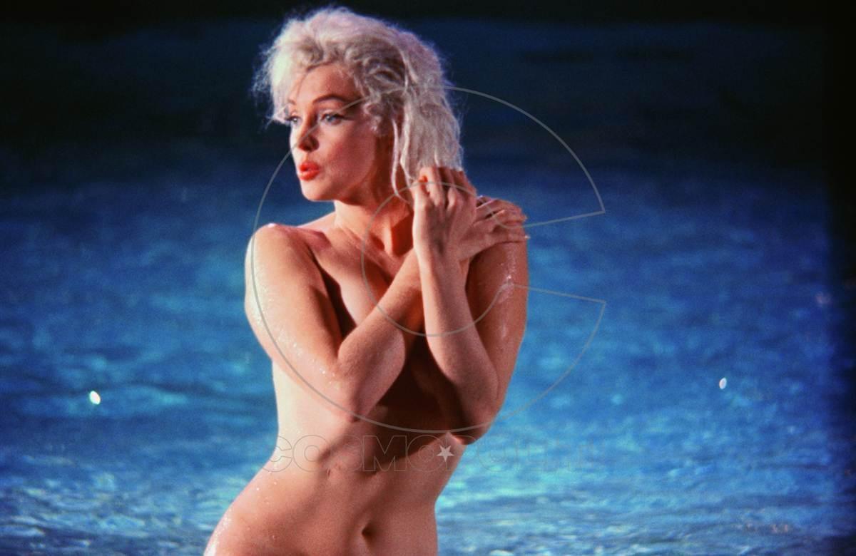ss-120530-Marilyn-Monroe-Schiller-02.ss_full