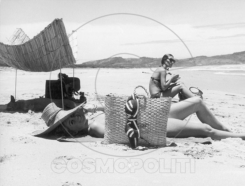 French-goddess-Brigitte-Bardot-in-Saint-Tropez-8