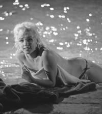 MarilynPool2