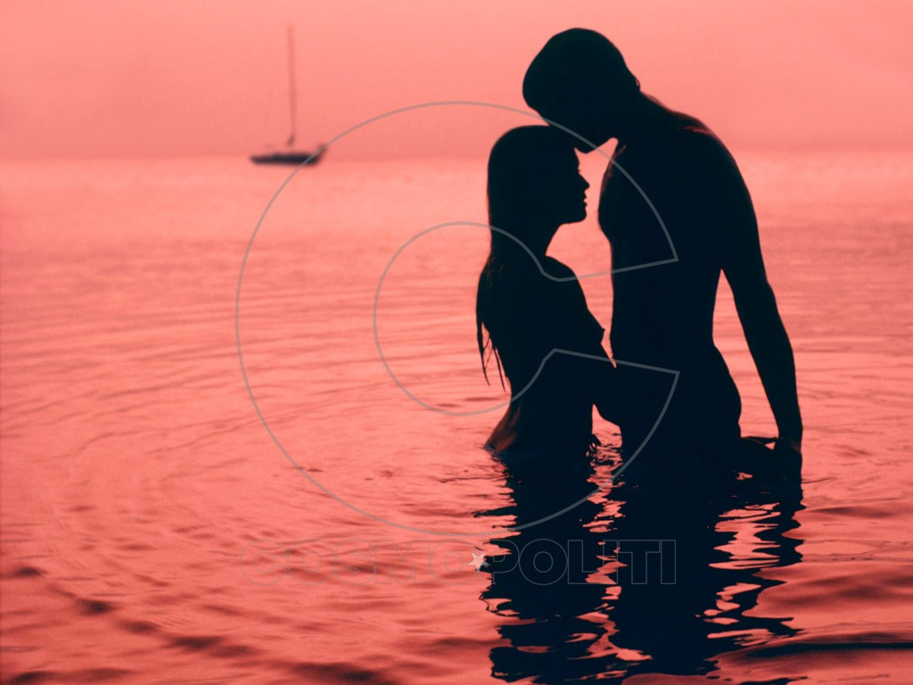 beach-love-couple-silhouette