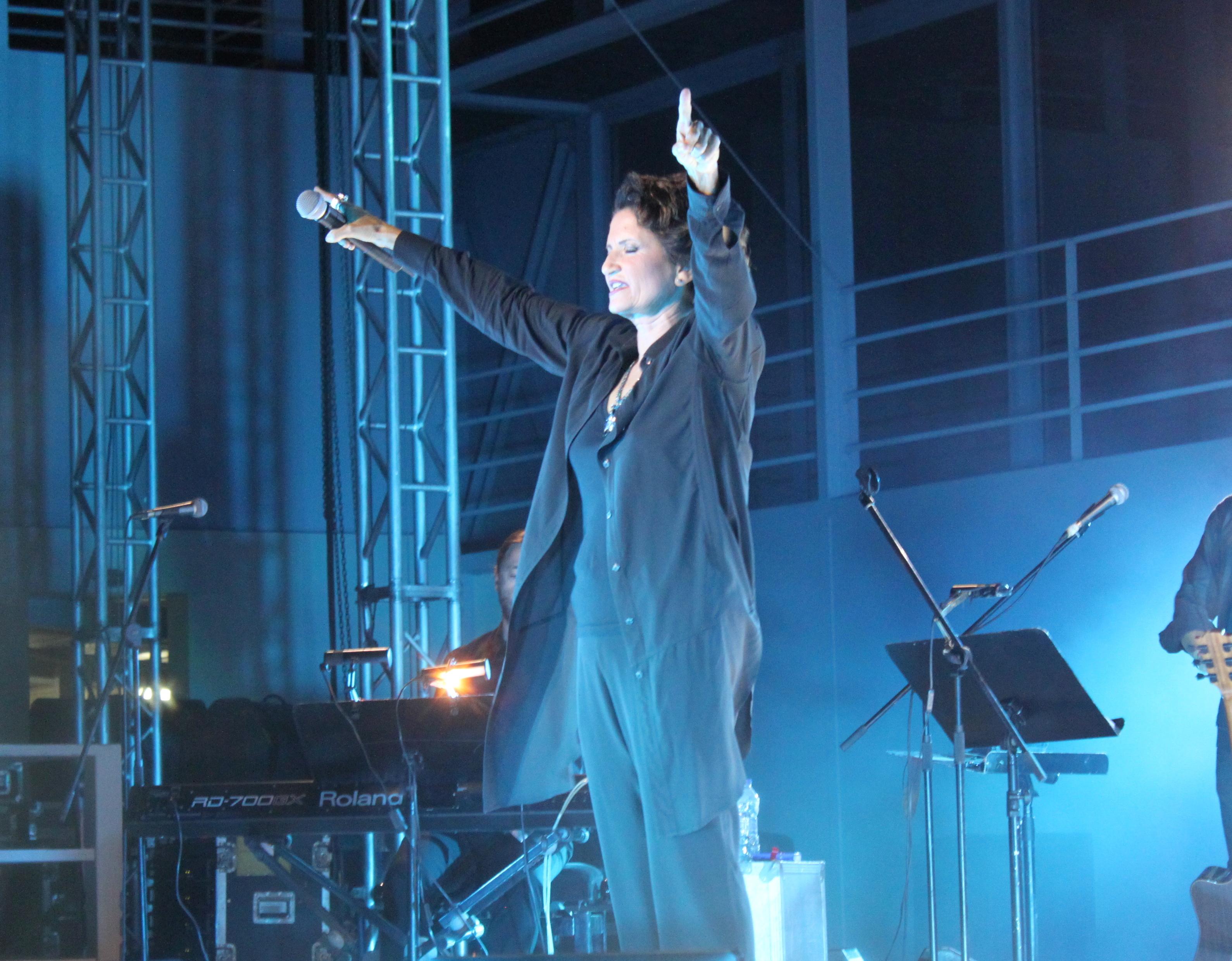Άλκηστις Πρωτοψάλτη @Βεάκειο: Βίντεο και φωτογραφίες από τη μαγική συναυλία