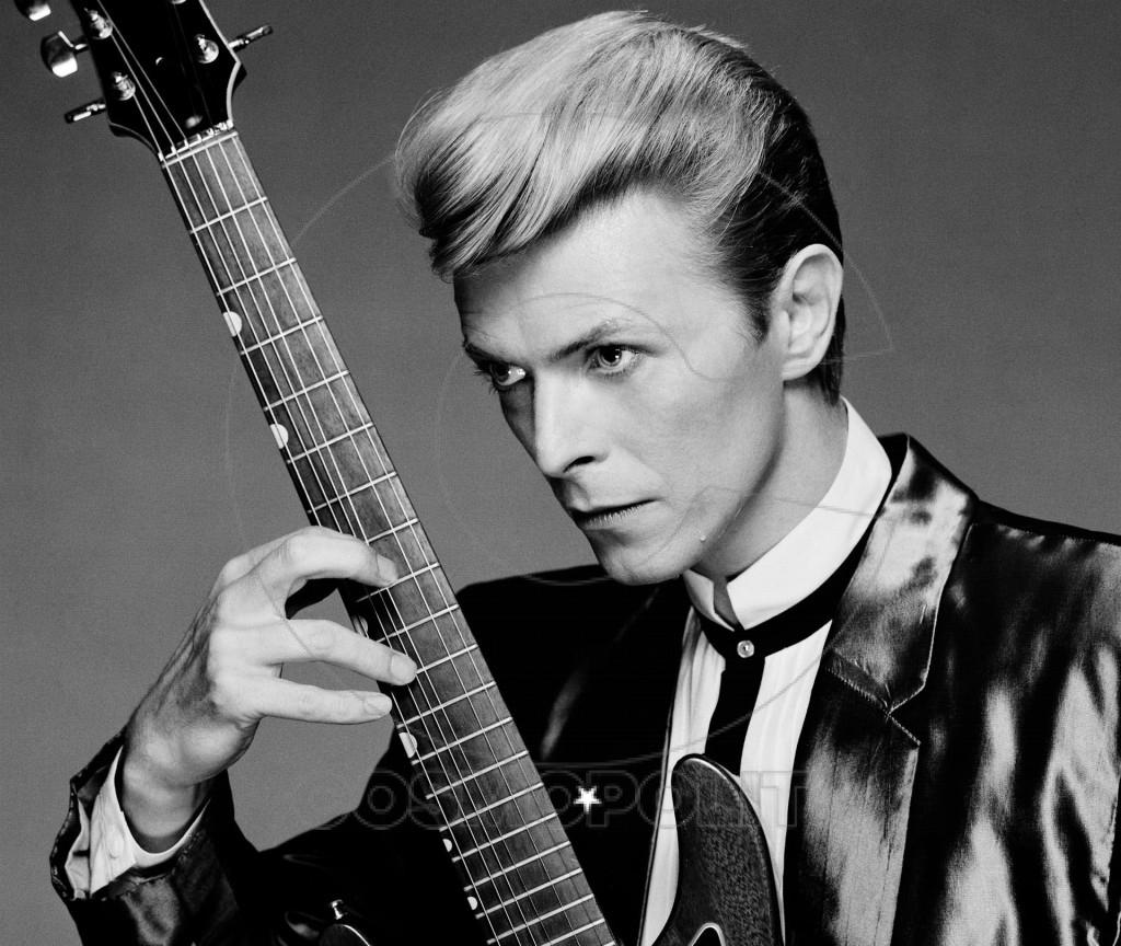David-Bowie-Guitar-Wallpapers