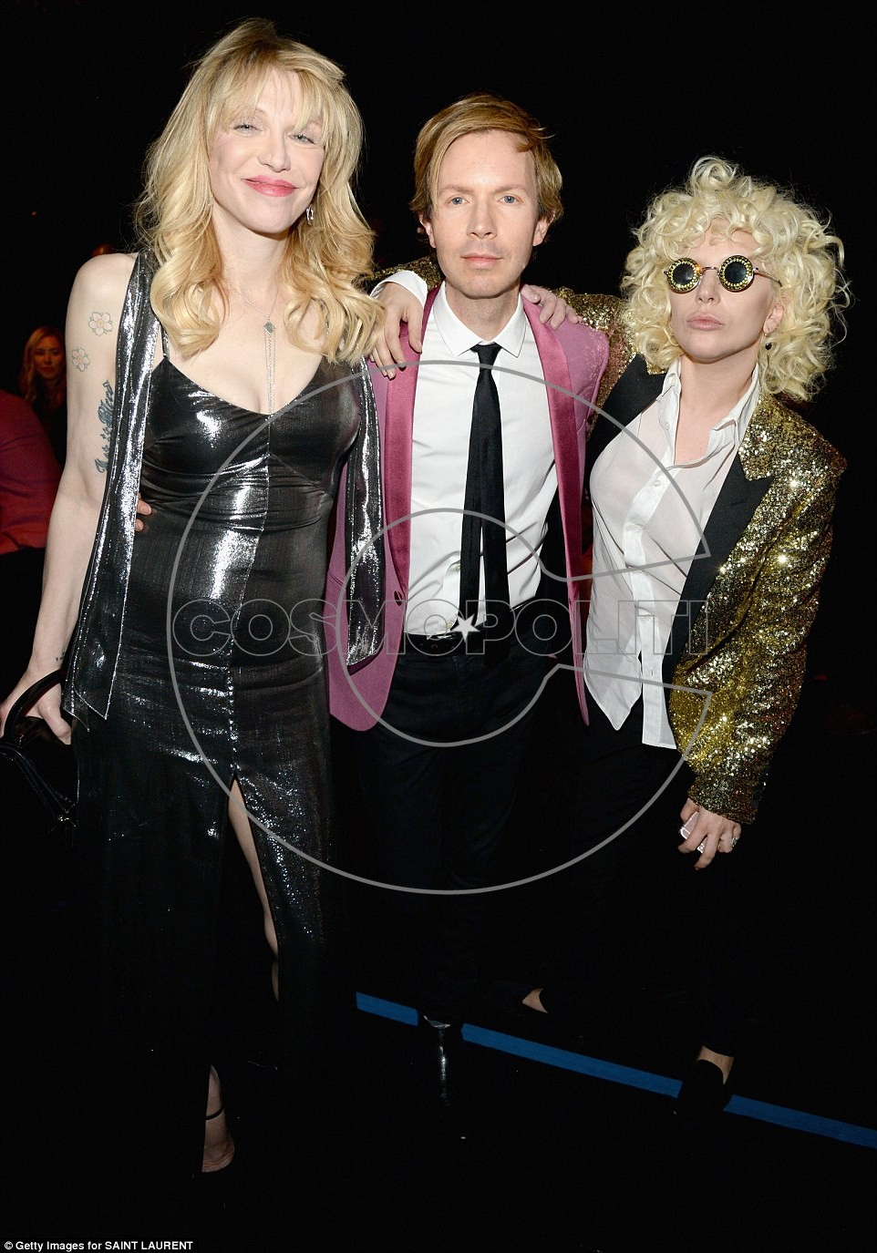 3113174E00000578-3441779-Fashionable_trio_Gaga_chatted_with_singer_Beck_and_rocker_Courtn-a-4_1455179227755
