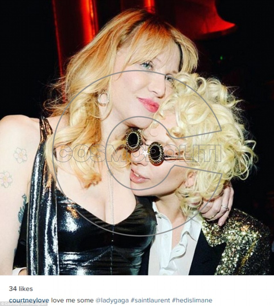 311363F000000578-3441779-Catching_up_Courtney_love_shared_a_photo_of_herself_with_Gaga_wr-a-6_1455179228089
