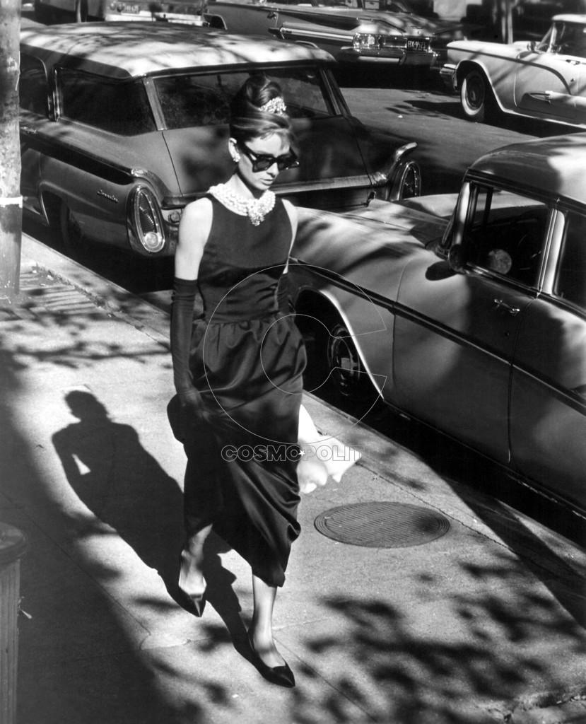 Audrey-Hepburn-Breakfast-at-Tiffany-s-classic-actresses-39122410-1458-1800