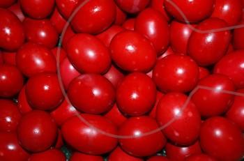 Το έθιμο της Μεγάλης Πέμπτης & μυστικά για επιτυχημένα βαμμένα κόκκινα αβγά