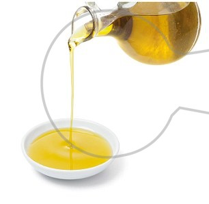 327DC17500000578-3502535-drizzle_Lidl_s_Extra_Virgin_Olive_Oil_made_from_black_Kalamata_o-m-39_1458744058705