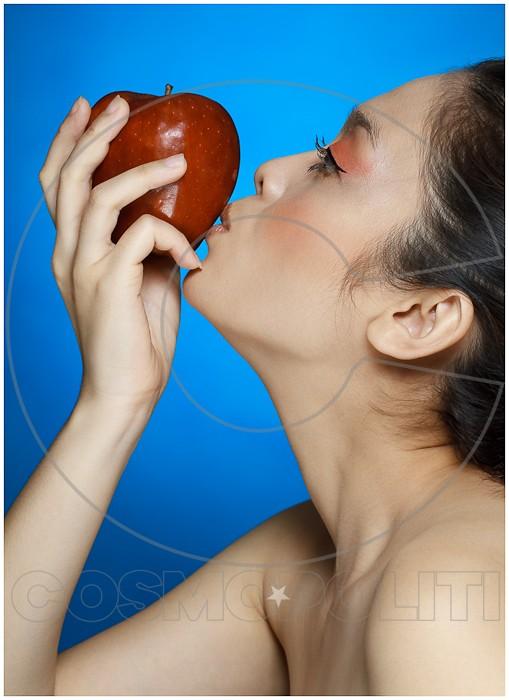 eve__the_apple_of_my_eye_by_arrivesatten