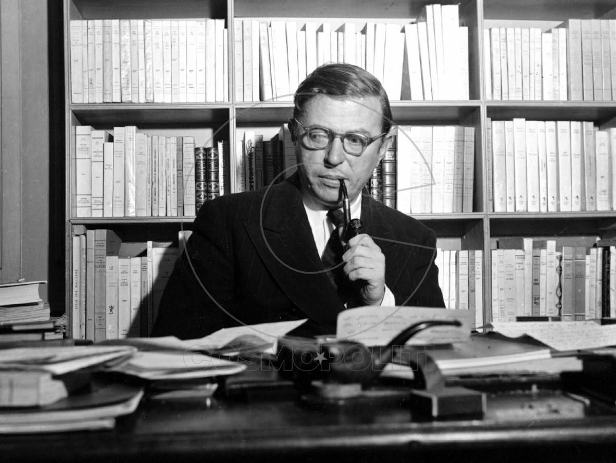 NOV. 28, 1948 FILE PICTURE ** ARCHIV ** Der franzoesische Schriftsteller und Philosoph Jean-Paul Sartre, aufgenommen in seinem Arbeitszimmer in Paris am 28. Nov. 1948. Vor 100 Jahren, am 21. Juni 1905, wurde Sartre in Paris geboren. (AP Photo) ** zu unserem Korr ** NUR S/W ** --- ** FILE ** French playwright and philosopher Jean-Paul Sartre is shown in his study in Paris, on November 28, 1948. (AP Photo) ** B/W ONLY **