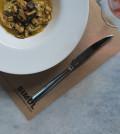 Φρέσκα ζυμαρικά γεμιστά με άγρια μανιτάρια και σιτάκε
