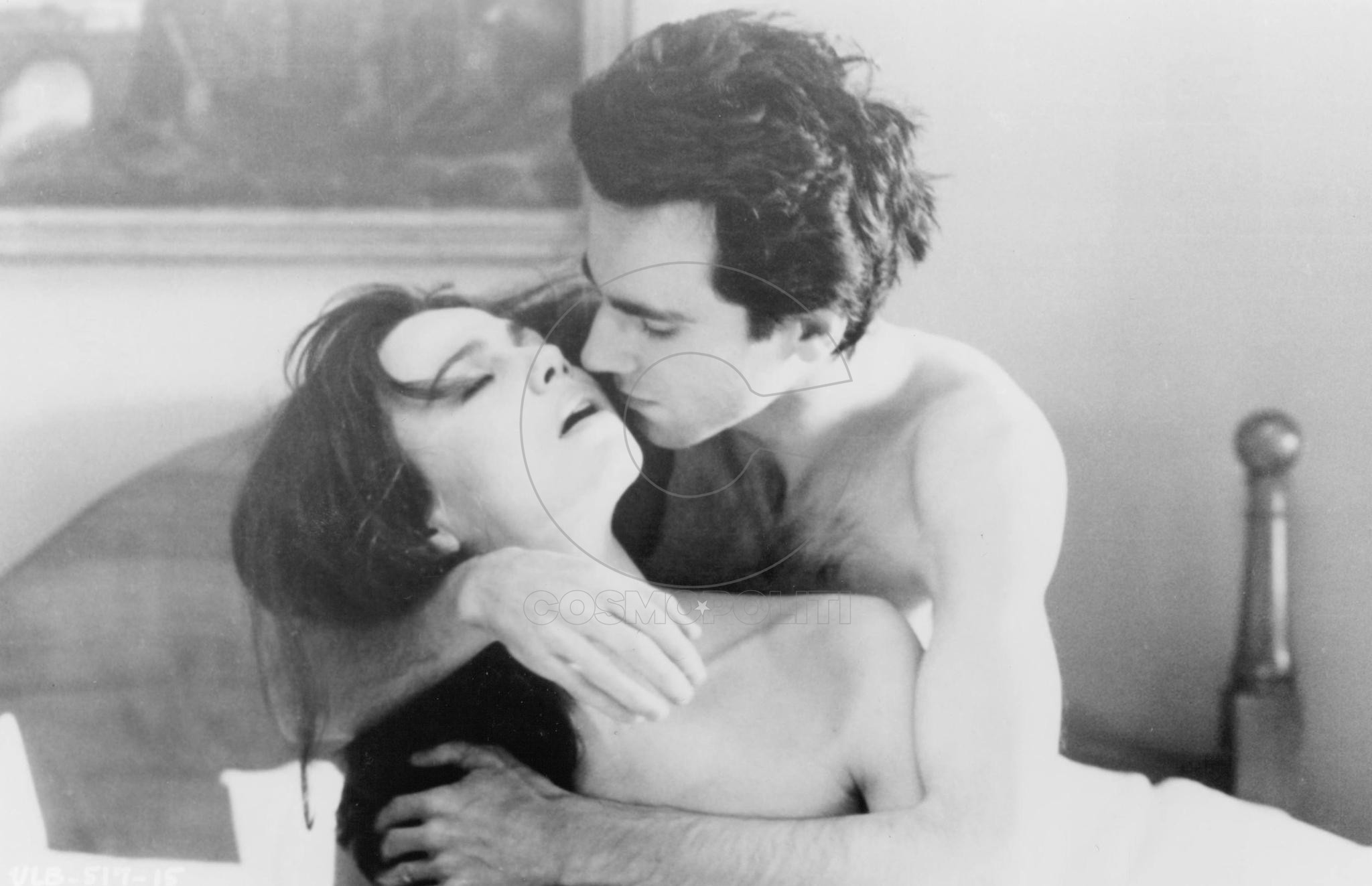 still-of-daniel-day-lewis-and-lena-olin-in-the-unbearable-lightness-of-being-(1988)-large-picture