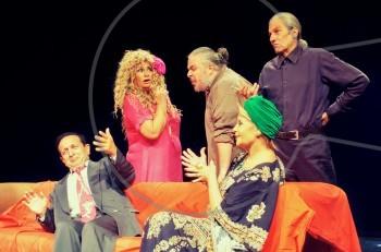 """""""Δεν είναι αυτό που νομίζεις"""": backstage στην ερωτική φαρσοκωμωδία @θέατρο Χατζηχρήστου"""