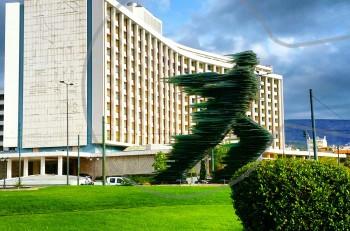 Γνωρίστε τον όμορφο κόσμο του Hilton Αθηνών μέσα από το hiltonathens.gr