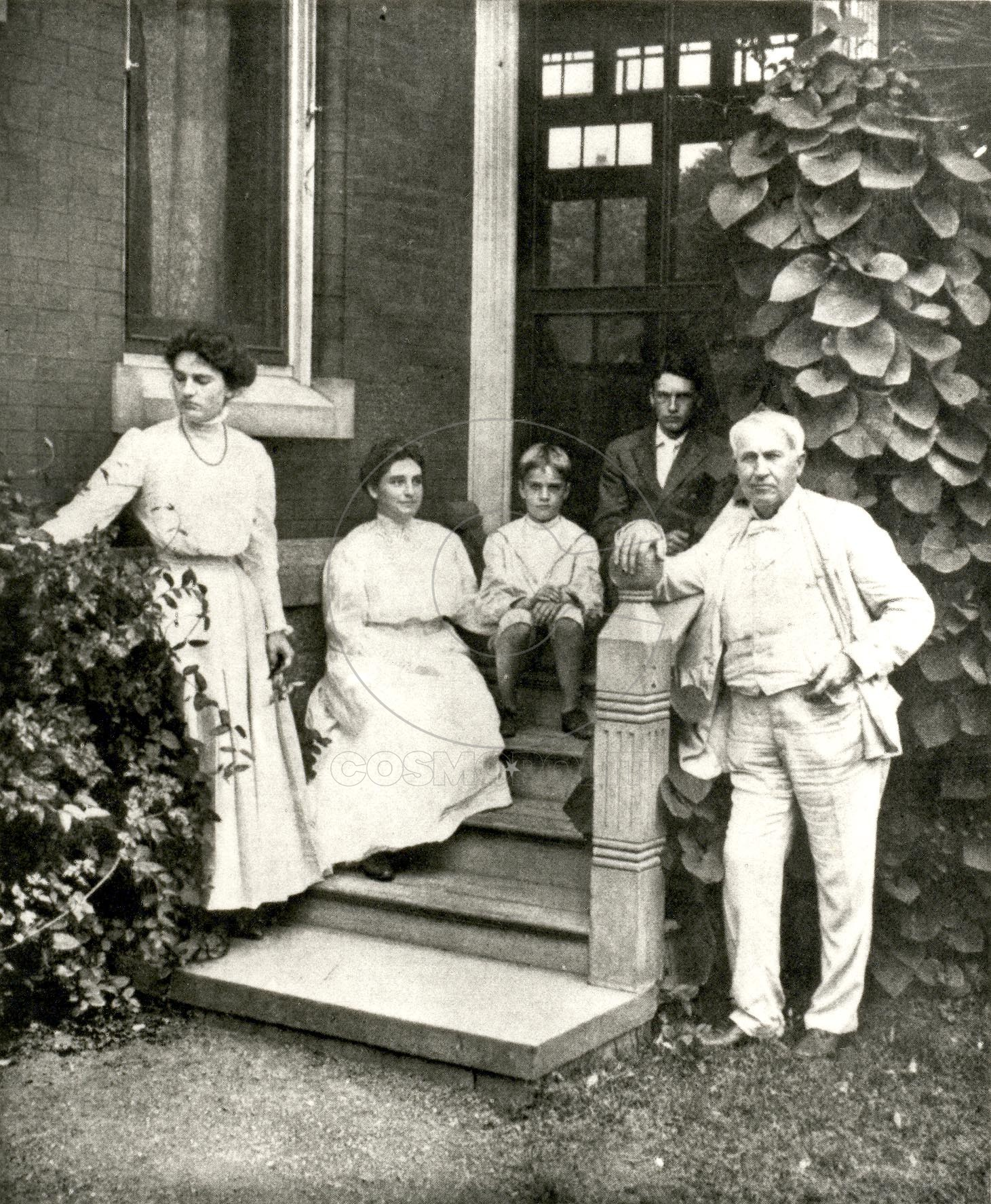 Edison-with-Family