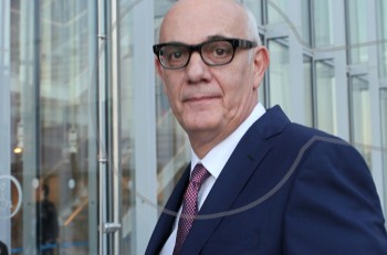 Ο Γιώργος Κιμούλης παραιτήθηκε από το Ίδρυμα Σταύρος Νιάρχος