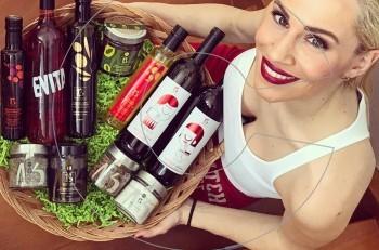 Ελληνικά βιολογικά προϊόντα και συλλεκτικό κρασί Evita από την Νάντια Μπουλέ