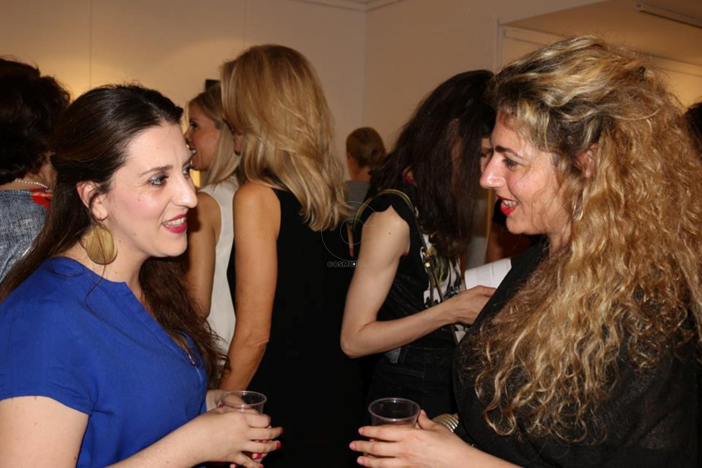 Οι συμμετέχουσες στην έκθεση εικαστικοί Βάσια Μπλούκου και Μαρίνα Μαλτέζου