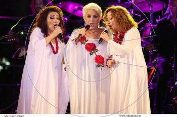 """""""Γυναικεία Υπόθεση"""" με Μαρινέλλα, Ελένη Βιτάλη, Γλυκερία. Βίντεο από τη -μην τη χάσετε- συναυλία του καλοκαιριού"""