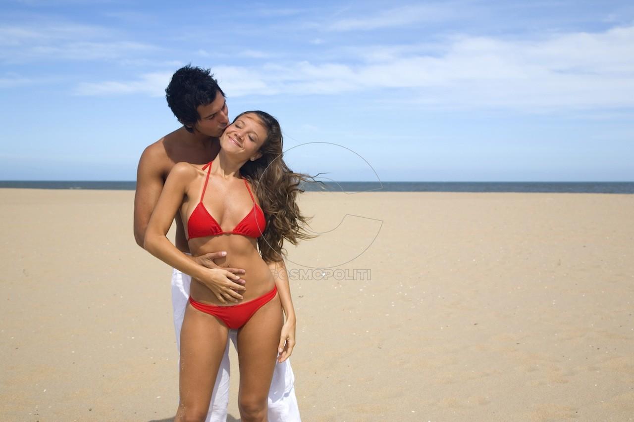 couple-enjoying-the-beach-1