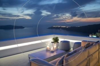 Το Grace Santorini γιορτάζει το opening του 363 Champagne & Cocktail Lounge