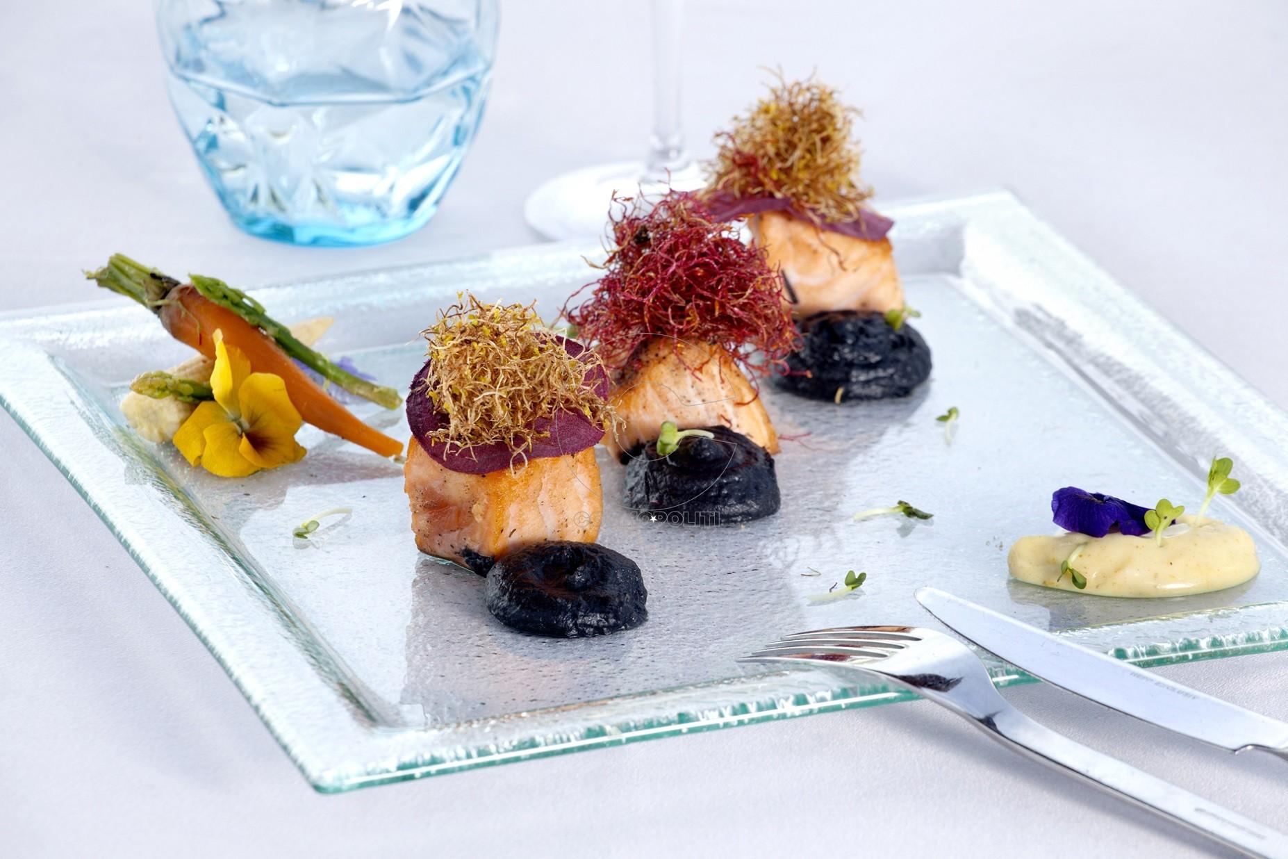 melia athens-sky lounge_salmon_fillet