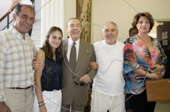 O Δήμαρχος Νίκαιας – Ρέντη βράβευσε τον Τόλη Βοσκόπουλο