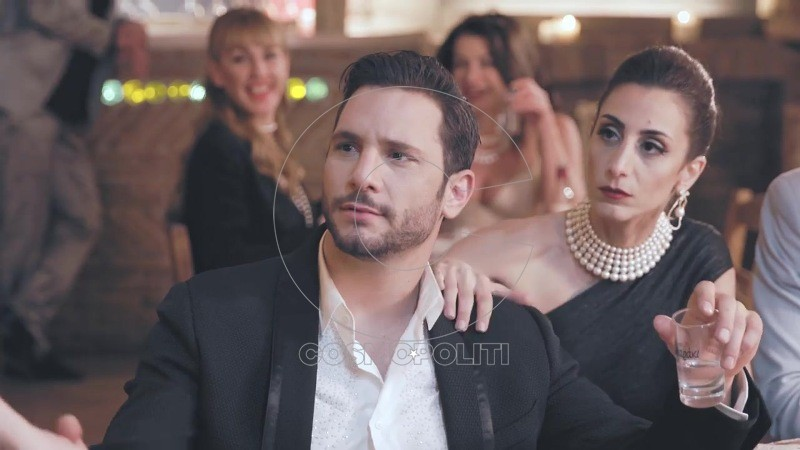 Σούλη Ανατολή - Όταν Σου Χορεύω (Official Music Video) 35