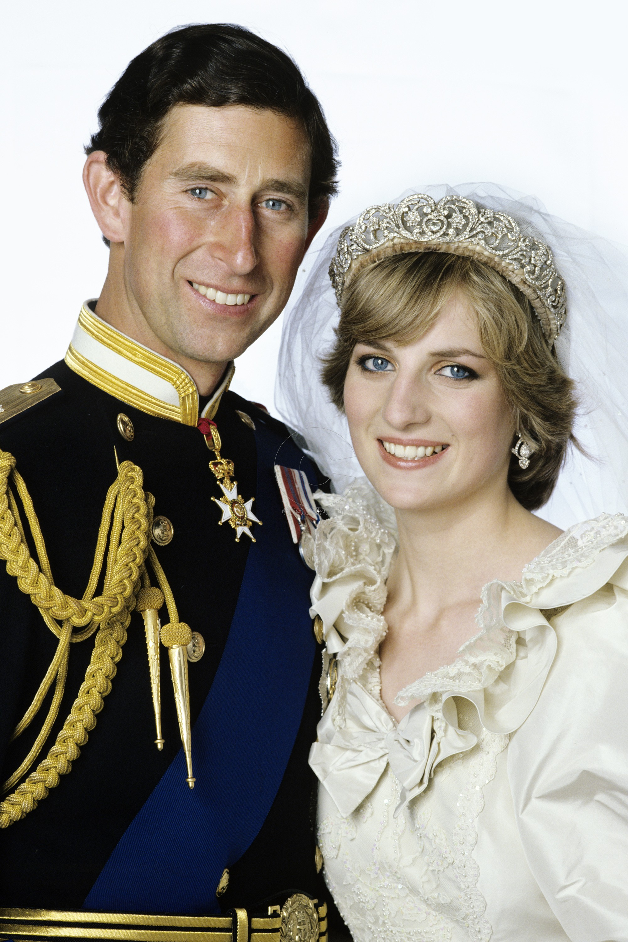 1438193156-hbz-princess-diana-prince-charles-wedding-77413370