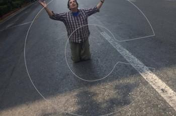 """Ο Άγγελος Παπαδημητρίου ζει το """"θαύμα"""" του Δεκαπενταύγουστου στην άδεια Πανεπιστημίου"""
