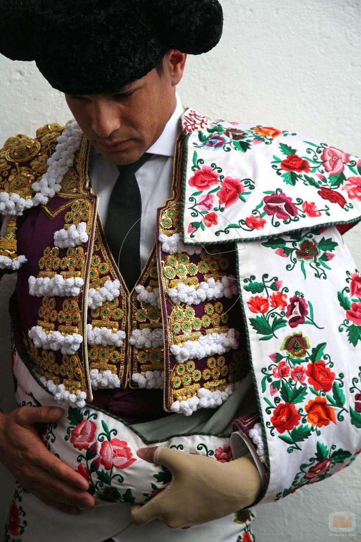 988fe231e613051ffb91505b78b73bb0--matador-costume-churros