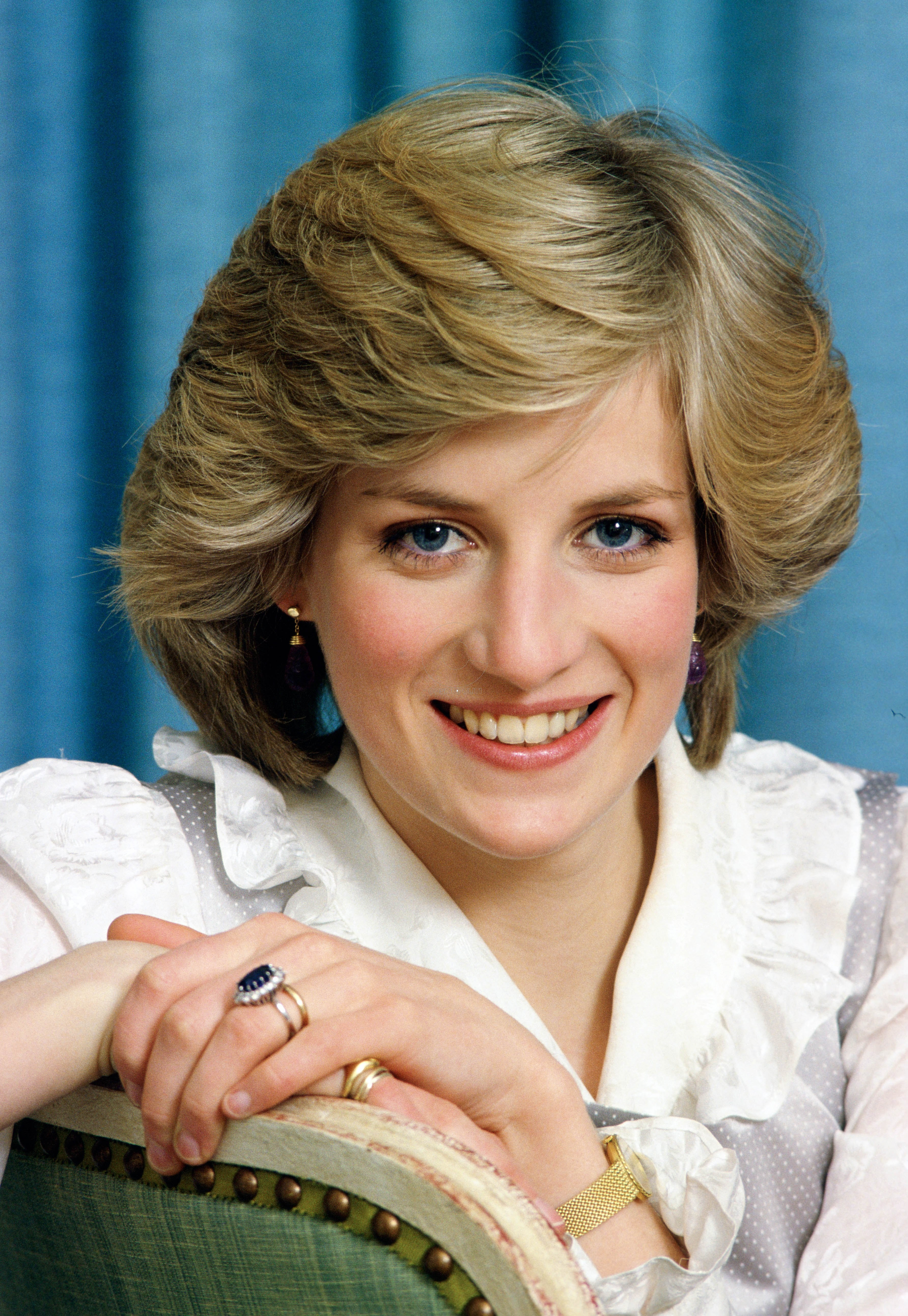 UNITED KINGDOM - FEBRUARY 01: Diana, Princess of Wales at home in Kensington Palace (Photo by Tim Graham/Getty Images)