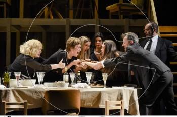 """Δεύτερη χρονιά! Ο """"Αύγουστος"""" στο Θέατρο Χορν-Τα έσοδα της πρεμιέρας στη φιλοζωική εταιρεία Save a Greek Stray"""