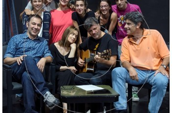 """""""Οι γαμπροί της Ευτυχίας"""" με τον Γιάννη Μπέζο και την Δάφνη Λαμπρόγιαννη στο θέατρο Προσκήνιο"""