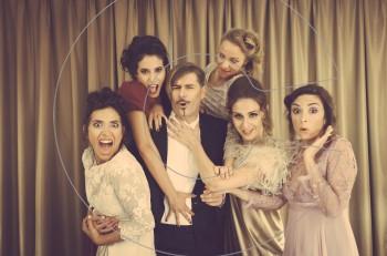 """Ο """"Ράφτης Κυριών"""" αναστατώνει τα Δευτερότριτα στο Από Μηχανής Θέατρο"""