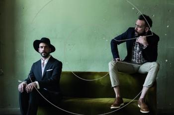 Νέο single! Ο Πάνος Μουζουράκης κάνει… «Μόνολογο για δύο»