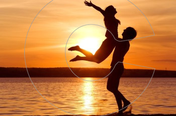 """Ο τρόπος που αισθανόμαστε όταν είμαστε """"μαζί"""" με τον άλλον ξεχωρίζει τα ευτυχισμένα ζευγάρια"""