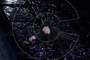 """""""Η Κυρά της Ρω"""" με την Φωτεινή Μπαξεβάνη στο θέατρο Σφενδόνη"""
