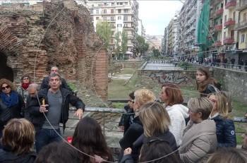 Ξενάγηση στους δρόμους της Θεσσαλονίκης με ξεναγό τον Γιάννη Σερβετά