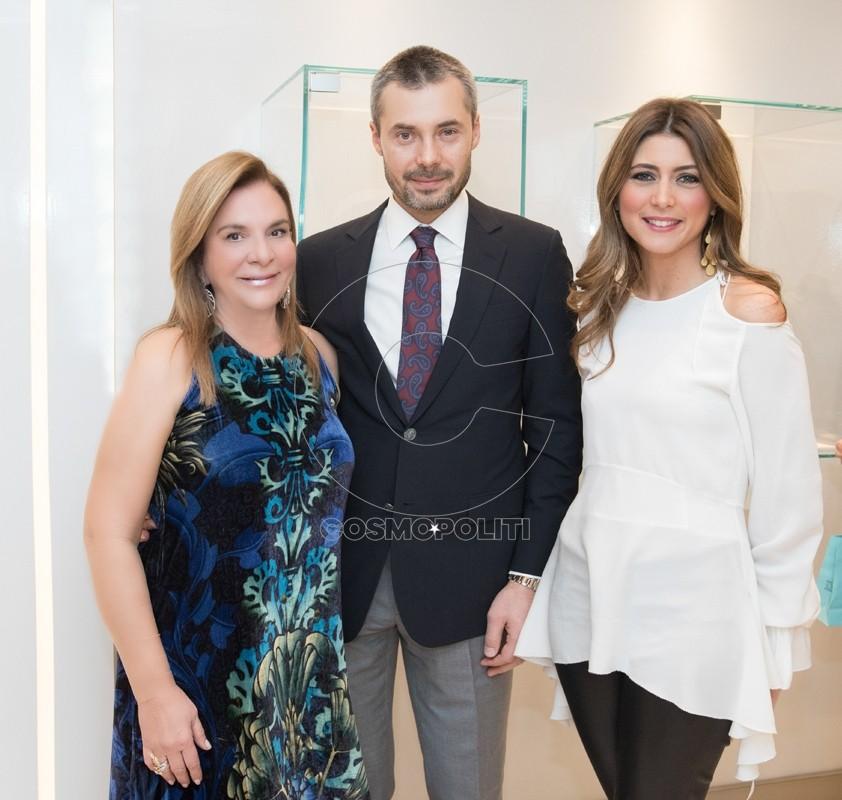 8 Οι ιδιοκτήτες του bejewel Θάλεια Εξάρχου & Αλέξης Μαλυέγκα με την σχεδιάστρια κοσμημάτων Αντωνία Καρρά
