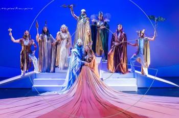 Η γέννηση του κόσμου και ιστορίες των θεών του Ολύμπου: το πρόγραμμα των εορταστικών παραστάσεων